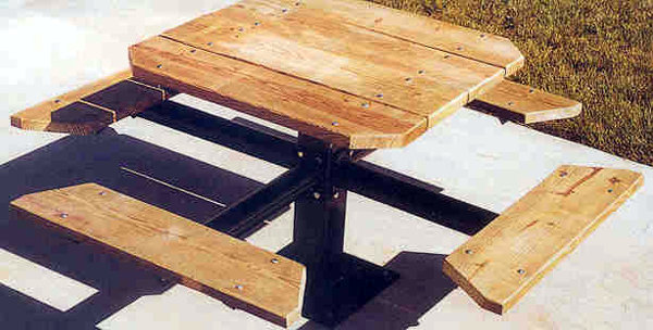 Recreation Dynamics FourSided Single Pedestal Picnic Table - Four sided picnic table